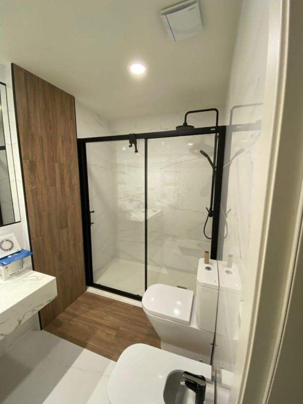 10 reformas de banos pequenos para inspirarte 2021 2022 baño ducha