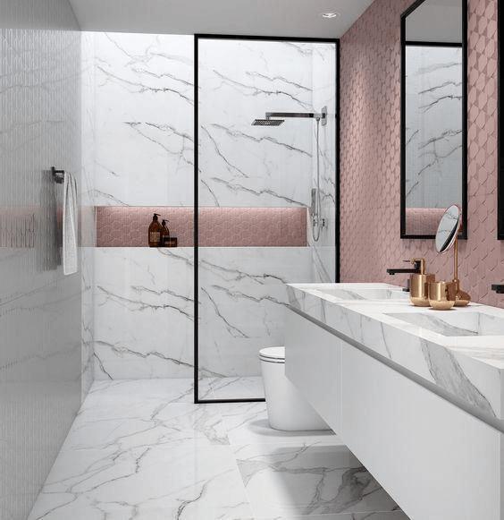 15 banos pequenos con ducha 2021 2022 marmol