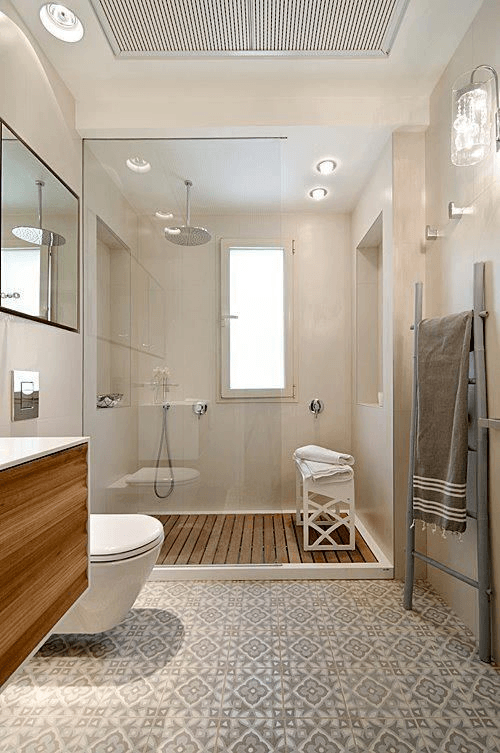 15 banos pequenos con ducha 2021 2022 suelo madera ducha