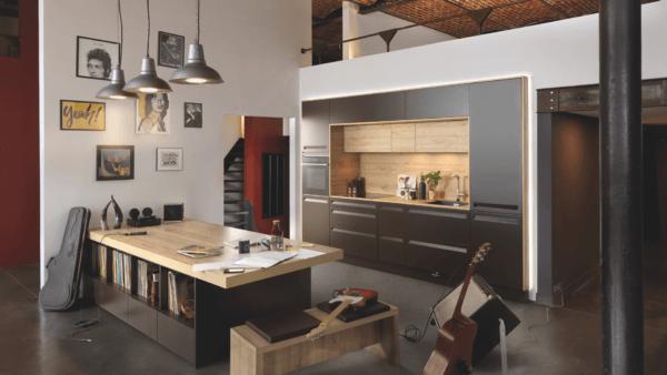 15 cocinas pequenas abiertas al salon 2021 2022 cocina SCHMIDT cocina colores intensos