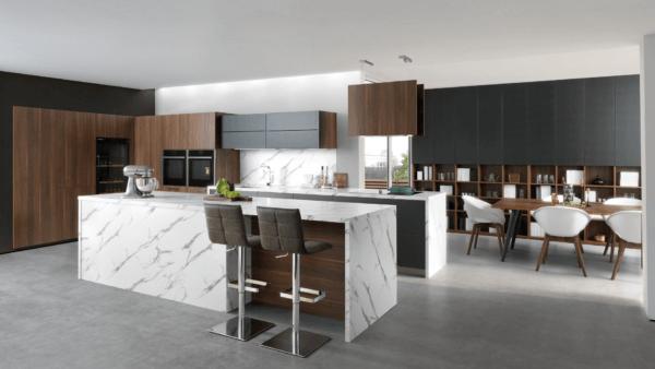 15 cocinas pequenas abiertas al salon 2021 2022 cocina schmidt blanco marron isla