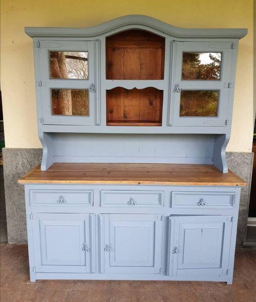 Mueble de cocina pintado a la tiza