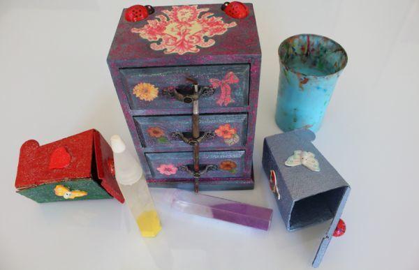Muebles y objetos decoupage