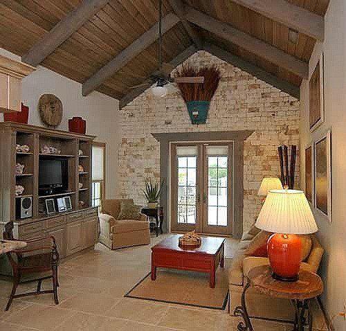 decoracion de interiores salones rusticos: telas Toyle de juoy. Sillas de madera o forja. Cojines para decorar