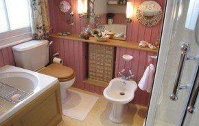 Cómo dejar reluciente el cuarto de baño