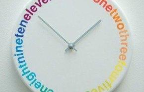 """Colors"", un reloj de pared muy original"