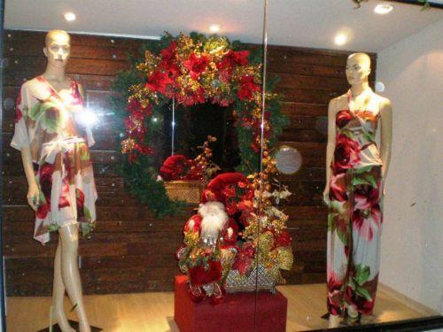 Consejos para decorar una vitrina navide a for Como decorar una vitrina