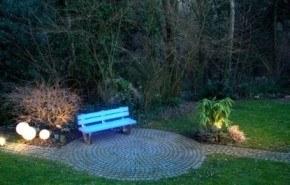 LightBench, bancos coloridos para el jardín