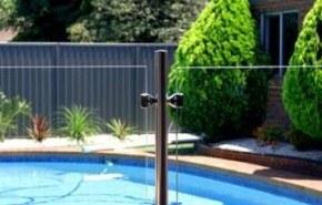 Vidrio como protección para la piscina