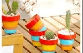 Macetas decoradas para dar vida al balcón o jardín