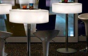 Muebles iluminados con LED de Atollo