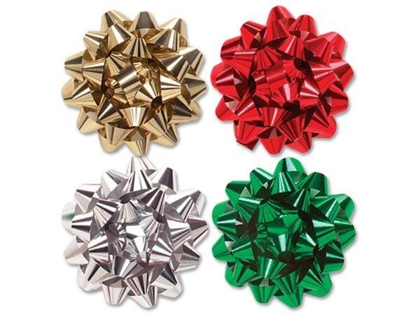 plateado o en tonos metlicos en verde o rojo sol tienes que envolver el regalo y aadirle o pompn o ucmoo hecho con lazo de navidadud