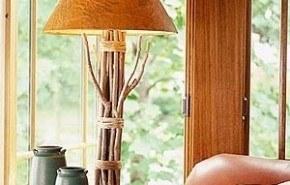 Lámpara decorada con ramas