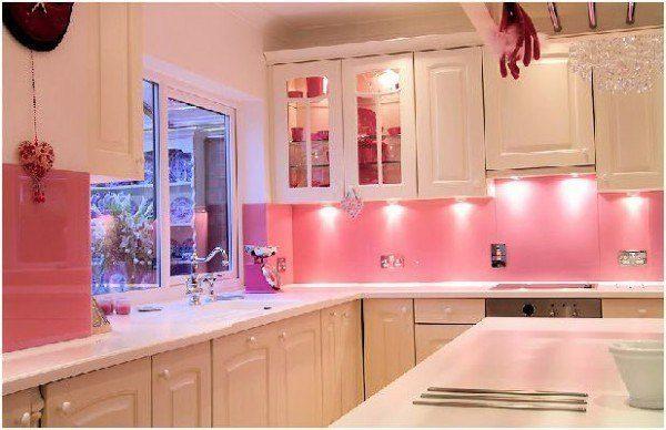 Colores decorando interiores page 4 - Cocinas rosa fucsia ...